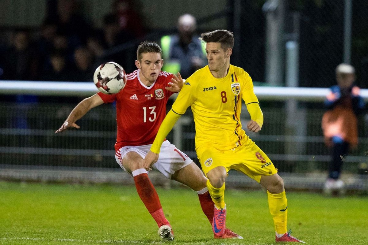 Norrington-Davies first start for Wales U21