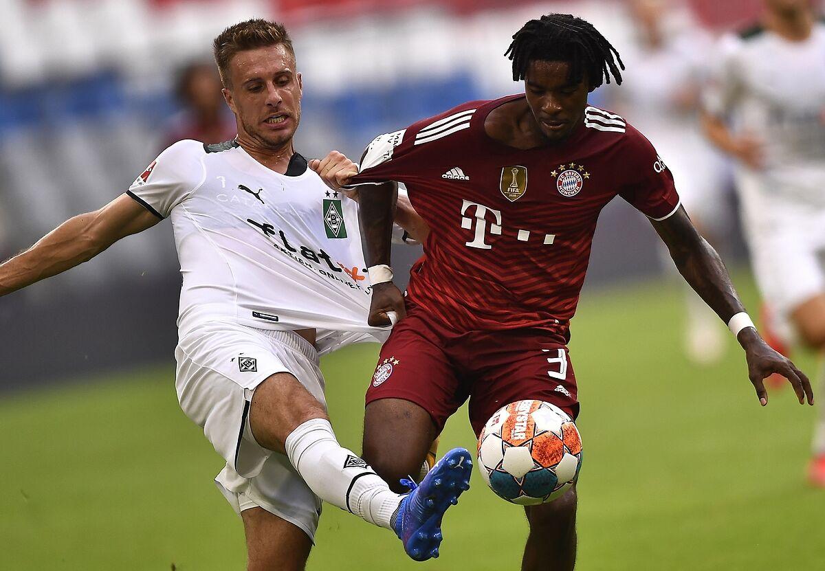 Omar Richards makes Bayern Munich Debut